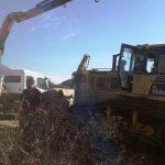 Alcalde Roberto Torres Huerta gestiona llegada de bulldozer que se encargará de realizar limpiezas en variados sectores de Alhué